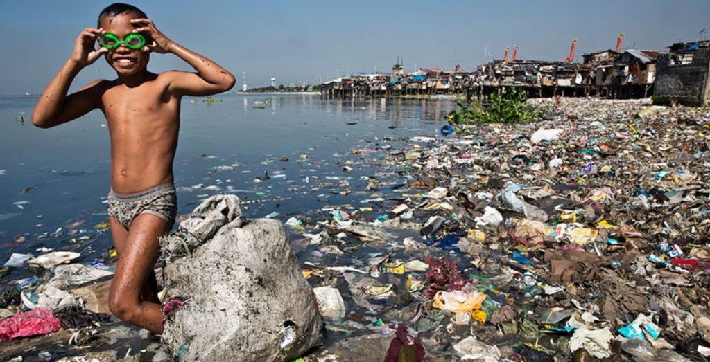 pollution plastique plage océan déchets